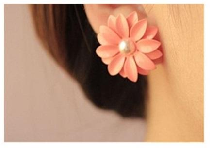 pink-daisy-earrings