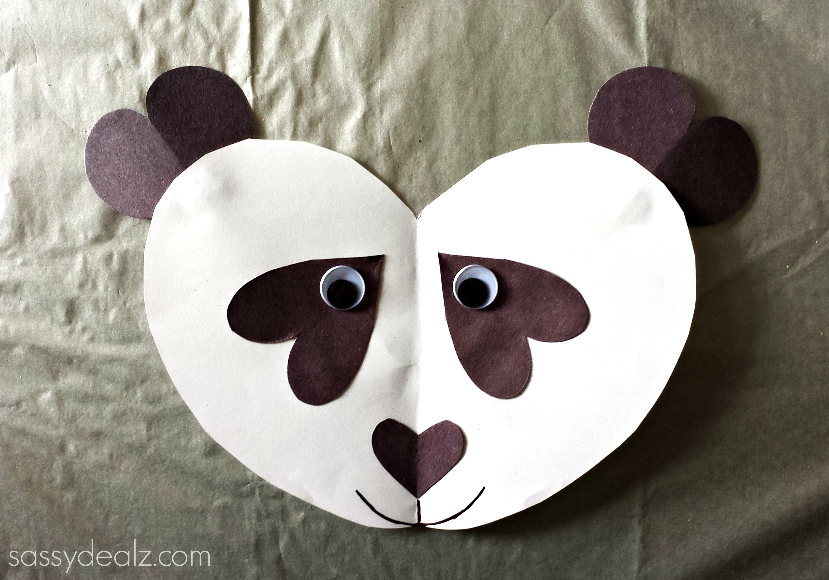 Paper Plate Pepperoni Pizza Valentine Craft · Panda Bear Heart Craft For  Kids