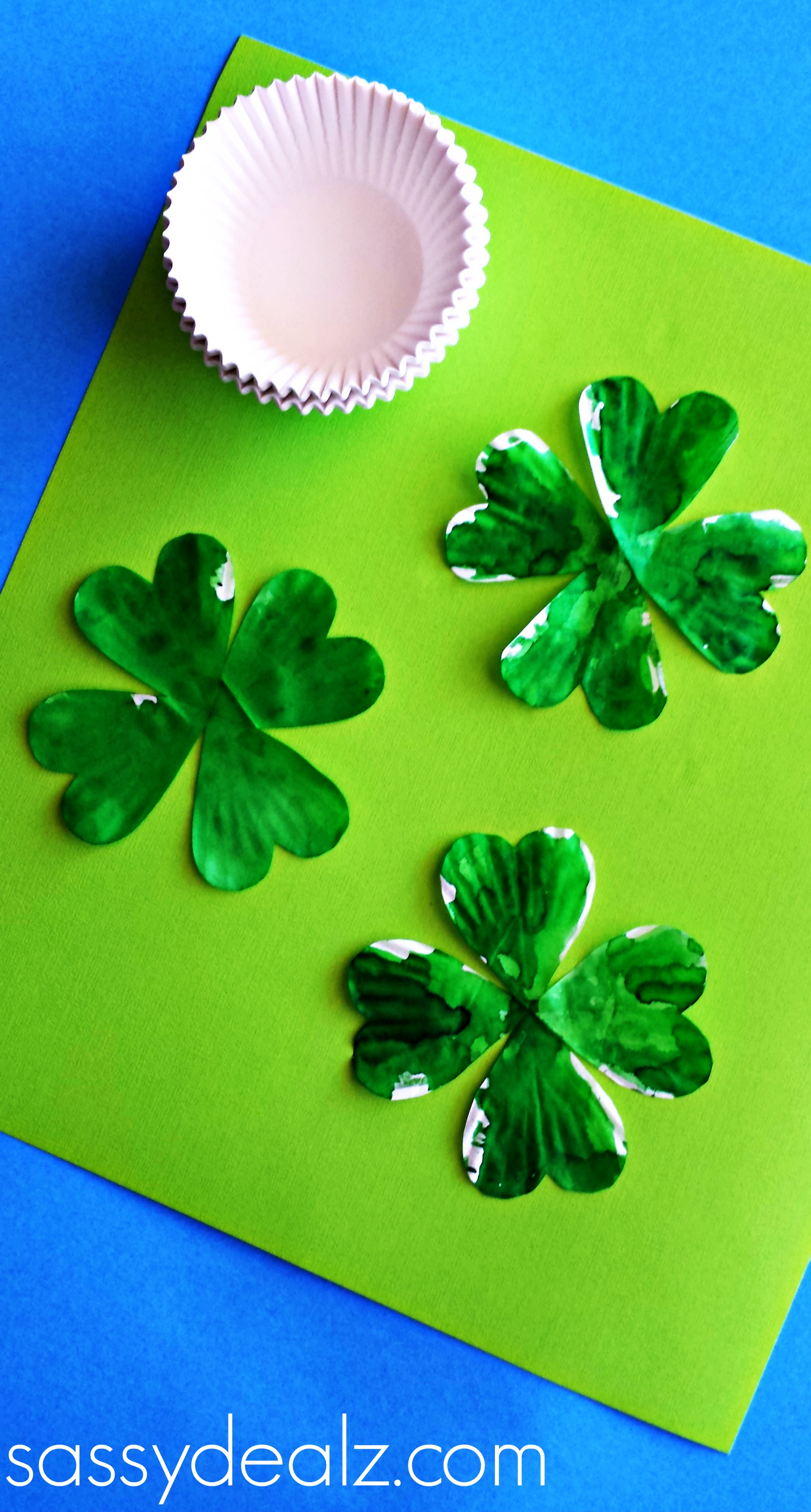 cupcake liner 4 leaf clover craft for st patrick u0027s day crafty