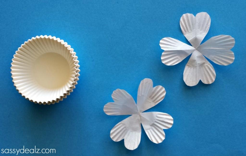 shamrock-cupcake-liner-craft