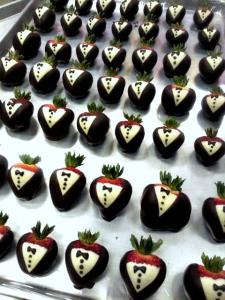 How to Make Tuxedo Strawberries