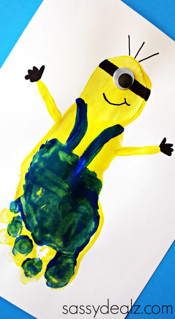 minion-footprint-craft-kids