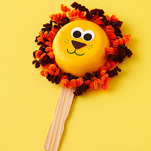 pipe-cleaner-lion-craft