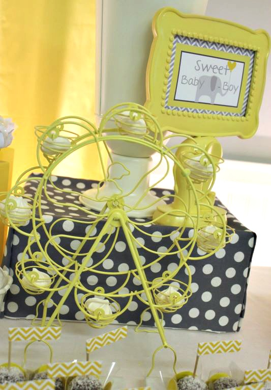 baby-shower-gray-yellow-decor