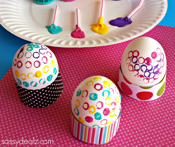 decorate easter eggs with straws and paint - crafty morning
