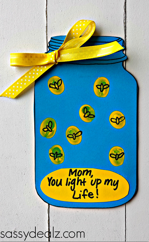 A great collection of quick and easy Mother's Day DIY crafts and gifts for.  Depending on your time and budget, these ideas range from simple to a little more complicated.