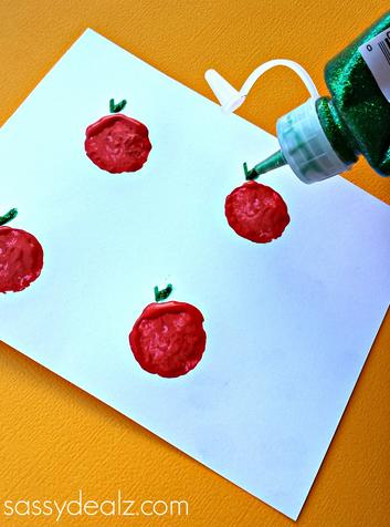 wine-cork-apple-craft-for-kids