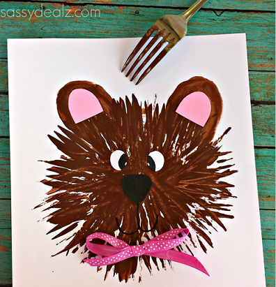 bear-craft-using-a-fork