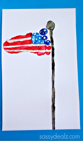 footprint-american-flag-4th-of-july-craft